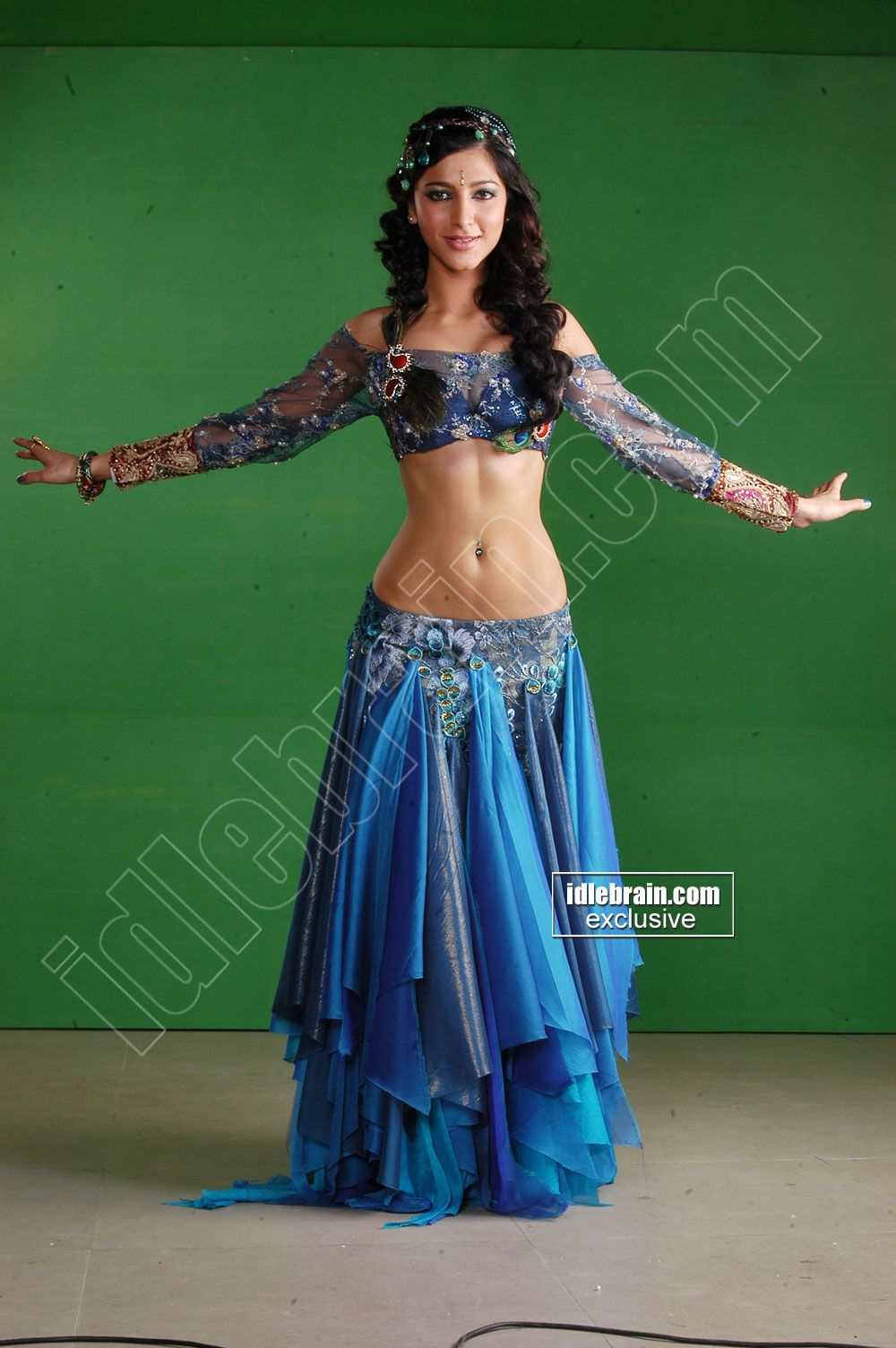 Sruthi Hassan Hot Navel N B00Bs Show..Latest Spicy Pics.. | INDIAN ...