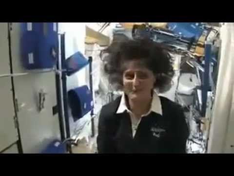 How Do Astronauts Live Eat Sleep And Use The Bathroom In Space Astronaut Teal Bathroom Decor Blue Bathroom Decor