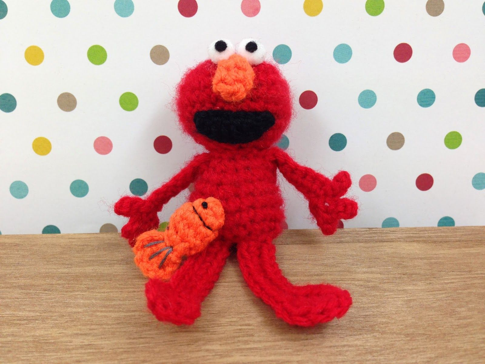Elmo amigurumi. Visit my blog Mesamisweb.wordpress.com to get this ... | 1200x1600