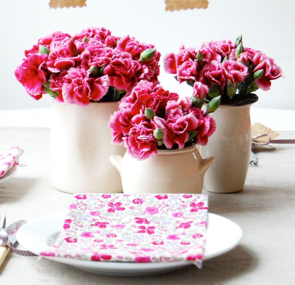 centros de mesa para boda con flores rosas