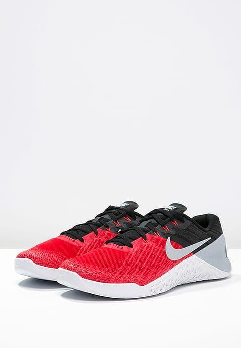 METCON 3 - Sports shoes - university red/wolf grey/black/white/bright  crimson. Nike Performance ...