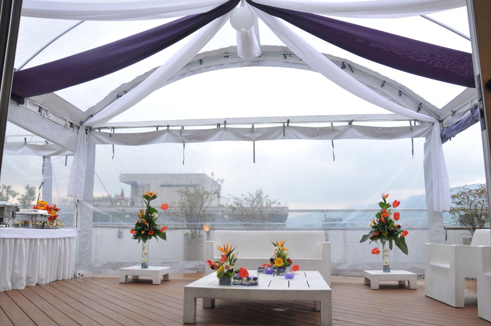 Montaje para cubrir la terraza para nuestro evento empresarial en ...