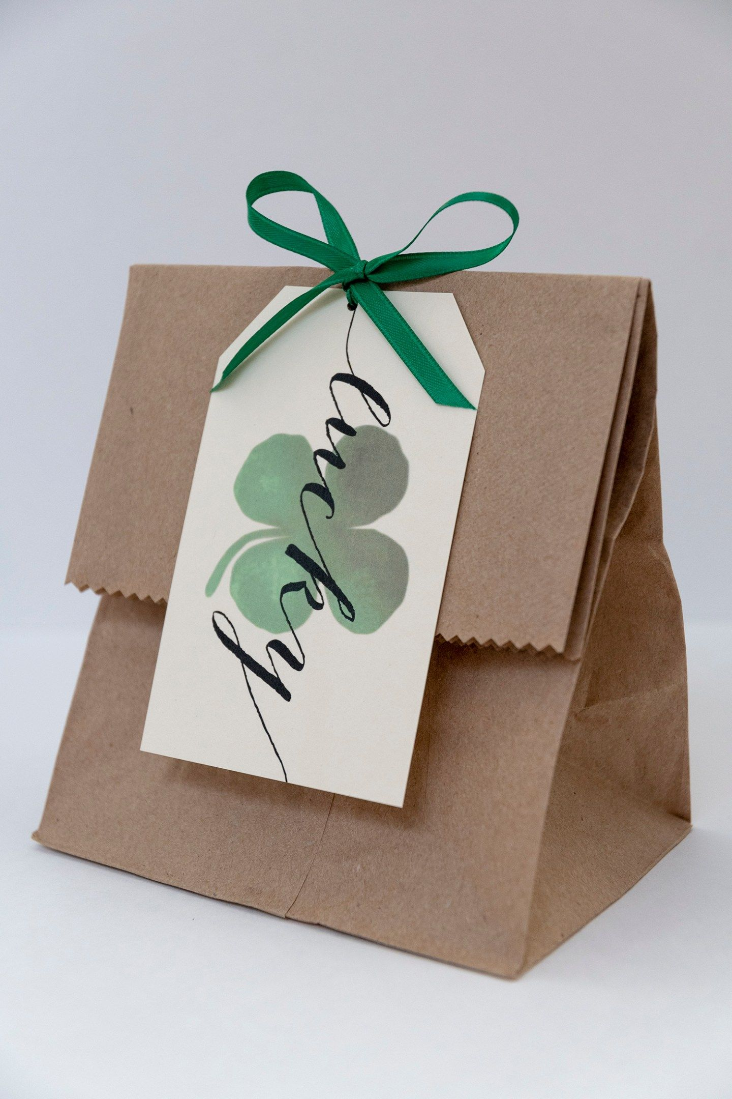 A lucky st patricks day free printable gift tags in