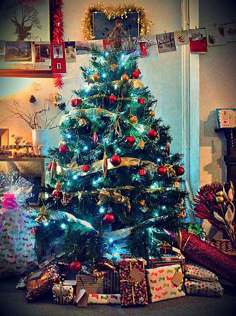 Musical Christmas Lights.Glowing Christmas Tree Merry Christmas Musical
