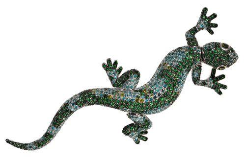 Broche Lézard de Chopard http://www.vogue.fr/joaillerie/shopping/diaporama/broches-potiques/18889/carrousel#broche-lzard-de-chopard