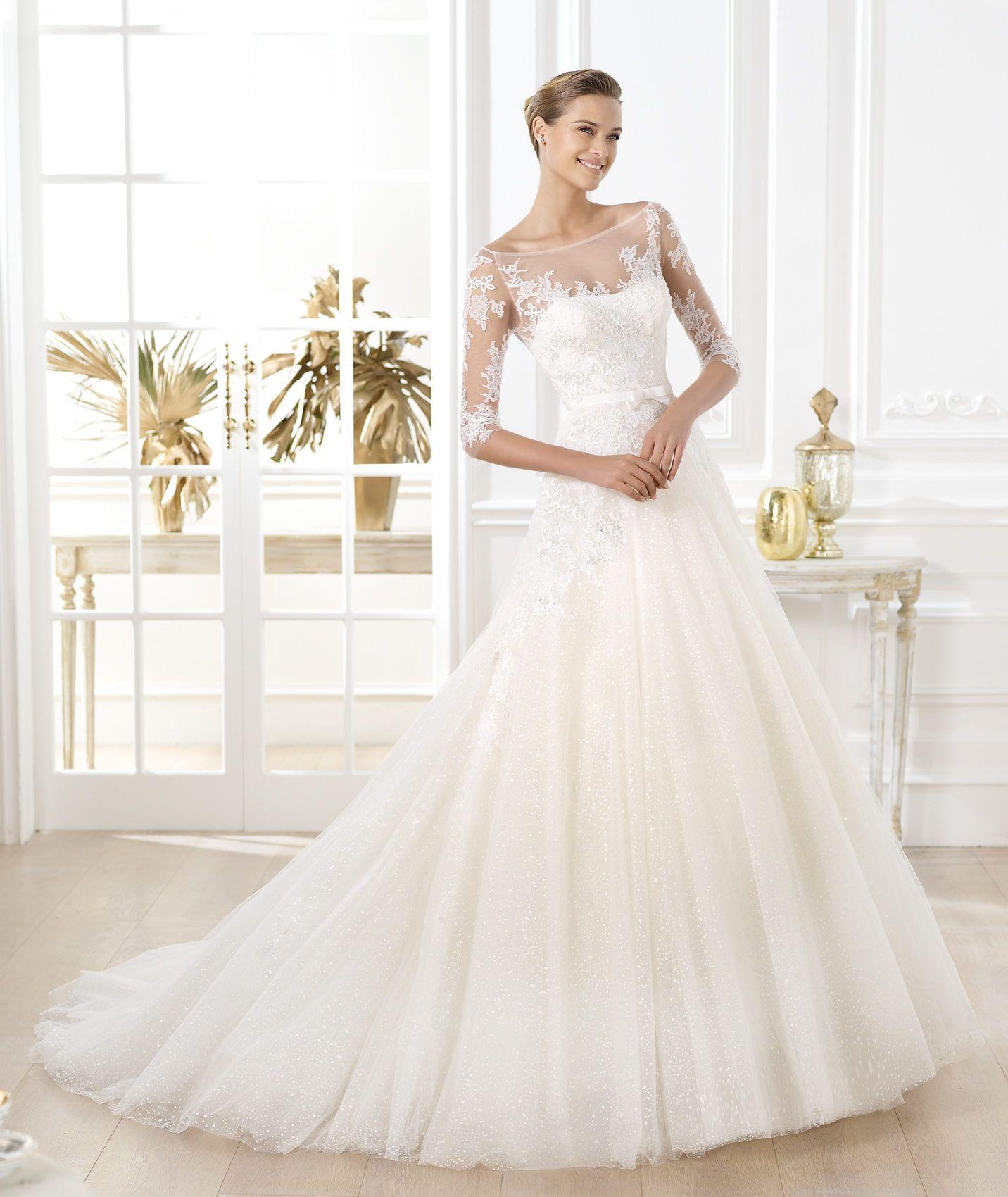 Pronovias ti presenta l'abito da sposa Lavens. Glamour 2014. | Pronovias