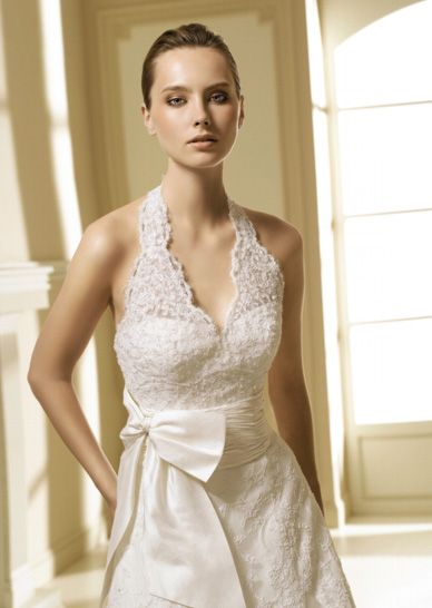 Shop sleeveless lace halter top wedding dress outlet plus for Plus size beige wedding dresses