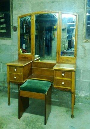 Vintage Vanity in Shoreline, WA (sells for $90)