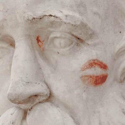 κᾰλός — Greek mythology from A to Z: [T] - The Muses Erato...