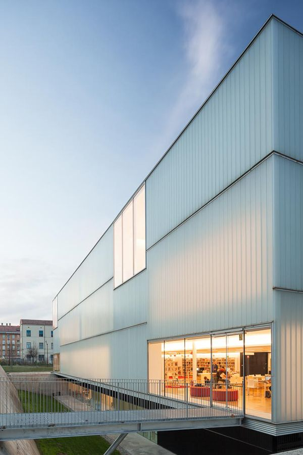 Biblioteca p blica de girona carles rahola mario corea arquitectura arq pinterest - Arquitectura girona ...