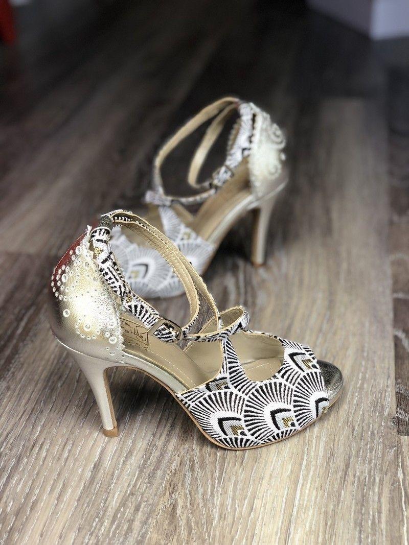 Praba – Escarpins et talons blanc, grande taille et formes, avec une touche de wax, wax, batik, pour elle, wax, cuir, tenues de soirée, mariage et cérémonie