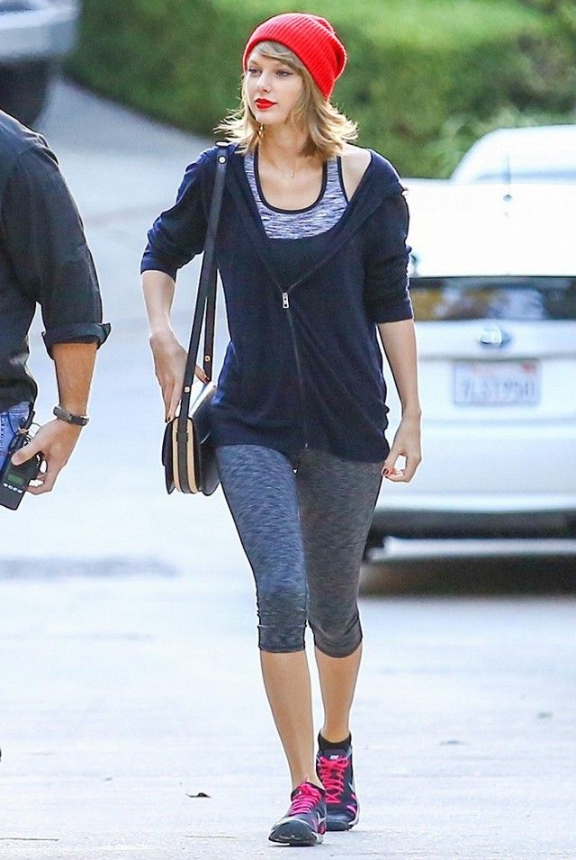 1a5fef96619 Taylor Swift s Workout Outfit Is Giving Us Serious Motivation Right Now