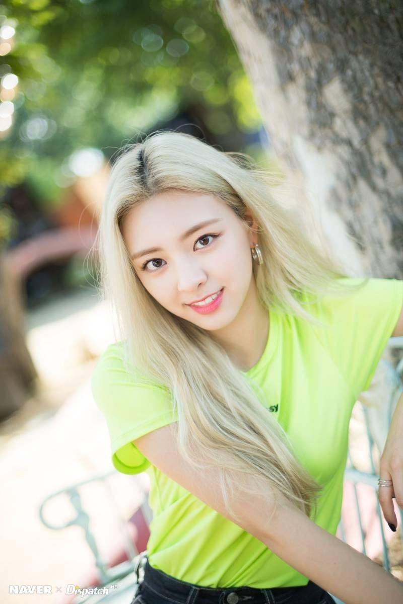 Itzy Yuna It Z Icy Promotion Photoshoot By Naver X Dispatch Itzy Kpop Girls Girl