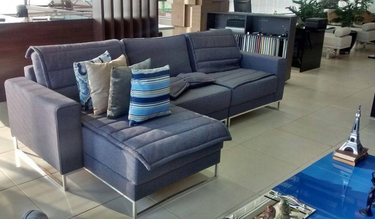 De forma fácil e simples deixe sua sala ainda mais bonita e com cara nova!! Basta combinar almofadas decoradas ao cenário, fica lindo!!