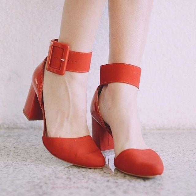 Olha a dica da @ludangelo para um Dia dos Namorados mais lindo: Tanara Brasil!  #details #red #shoes Ref.T0123