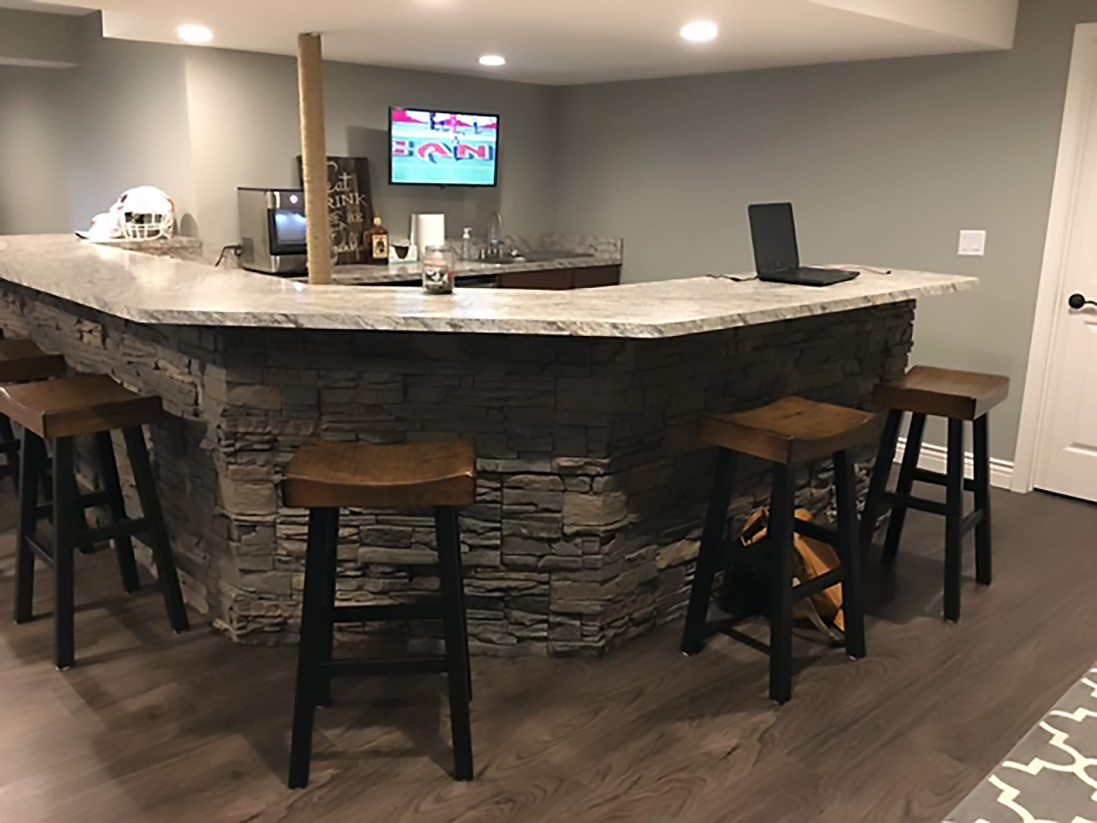 Home Bar Design Diy Stone Bar Ideas By Erin Building A Home Bar Diy Home Bar Basement Bar Plans