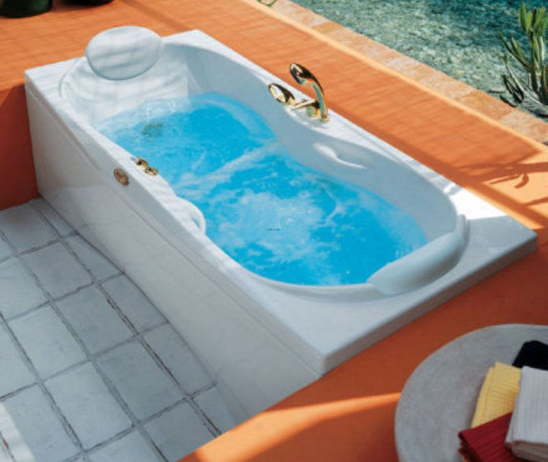 Jacuzzi Bathtub Shower Combination For Small Bathrooms Jacuzzi