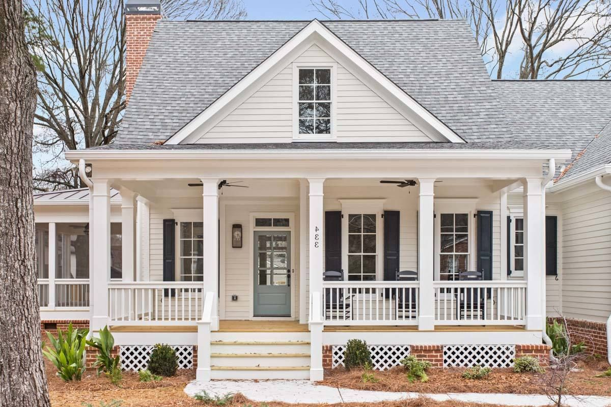 Country Charmer With Flexible Upper Floor Cottage House Plans Cottage Plan Cottage Homes