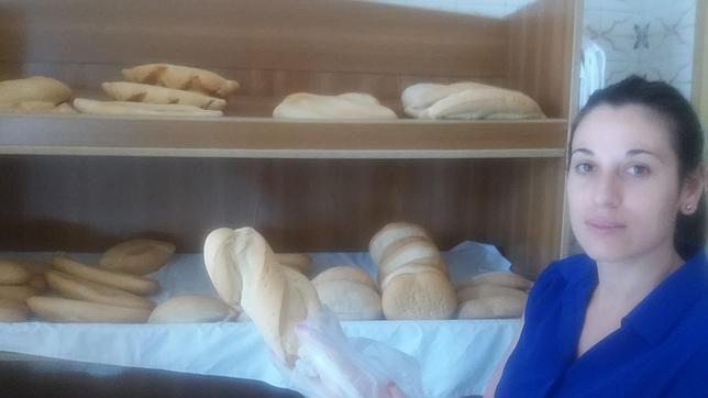 El pan de miga densa de El Saucejo triunfa en toda la Sierra Sur, Cádiz y Málaga