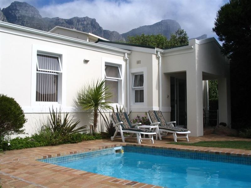 The Patch - The Patch is a private, detached, modern garden cottage sleeping two guests and is fully equipped for self-catering. Take a five-minute walk to the hip and happening beachfront, shops, sidewalk cafés ... #weekendgetaways #campsbay #southafrica