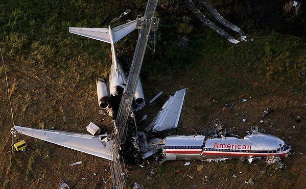 Bizarre Plane Crashes The Crew Of Aa Flight 1420 Failed To Arm The Spoilers During Their Pre Landing Checks Aviation Accidents Aviation American Airlines