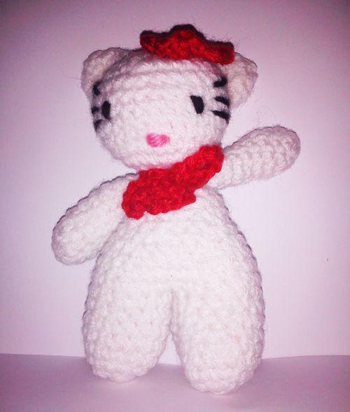 Hello Kitty Amigurumi doll red  - Se ti piacciono chiedi informazioni a pepiscrochet@gmail.com