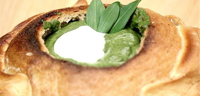 Krémová špenátová polievka s medvedím cesnakom (videorecept)