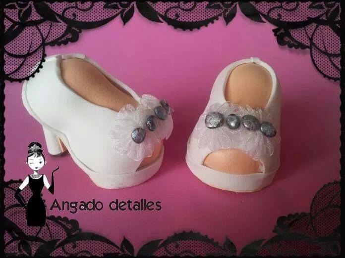 zapatos de tacón de fofucha novia. goma eva. | fofuchas | pinterest