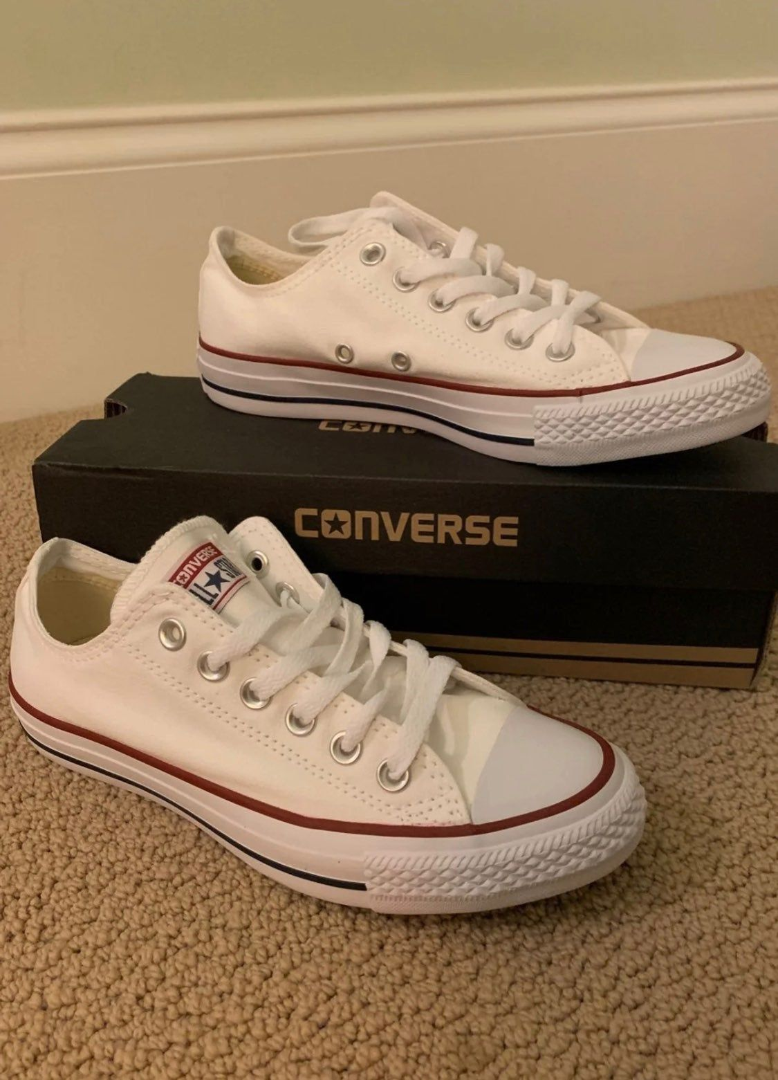 Never worn white converse size 7 women