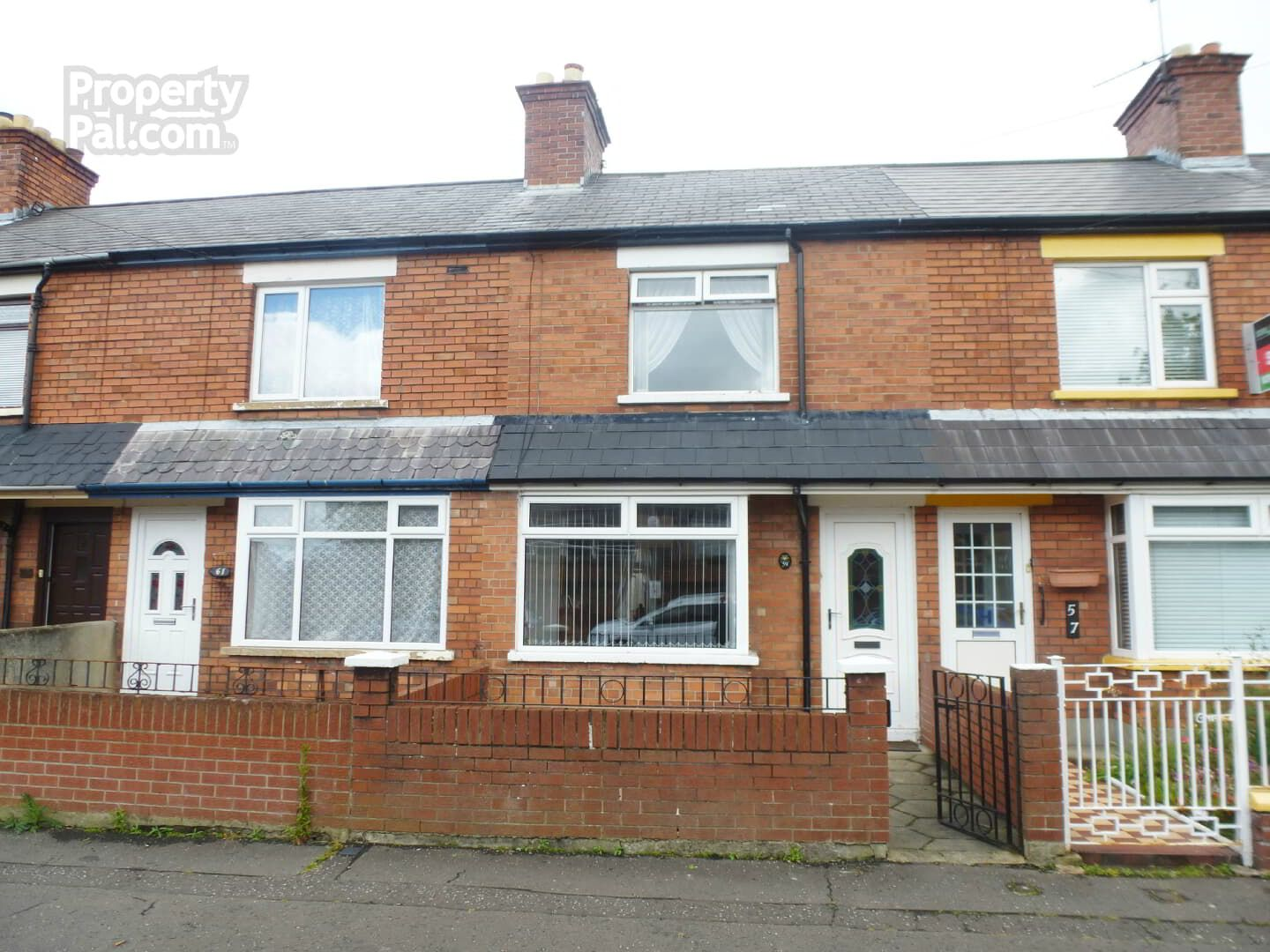This 2 Bed Terrace House For Sale Is Located At 59 Willowfield Drive, Belfast. Find Out More Inside.