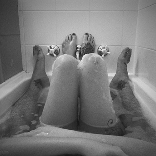 Romantic Couple In Bathtub Google Search Tumblr Couples Bath
