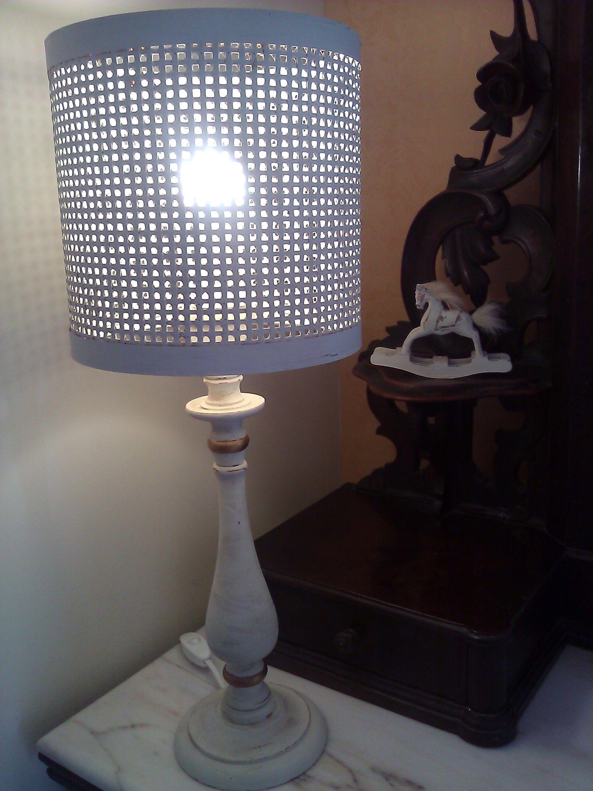Restyling di un lume Vintage trasformato in stile Shabby