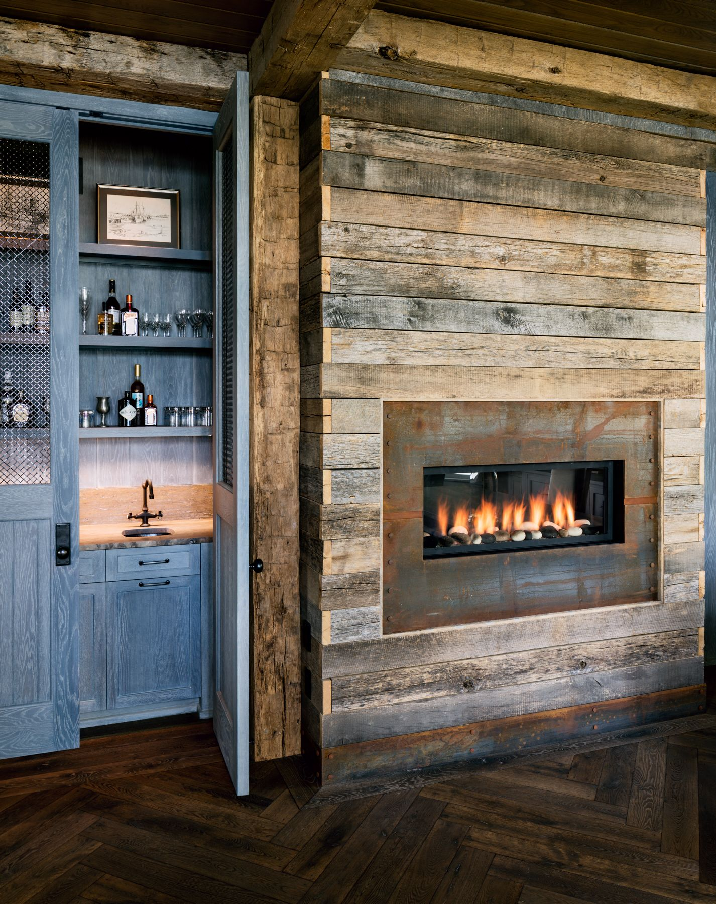 Einrichtungstipps Home Office Home Office With Reclaimed Wood Framed Fireplace Interiors By