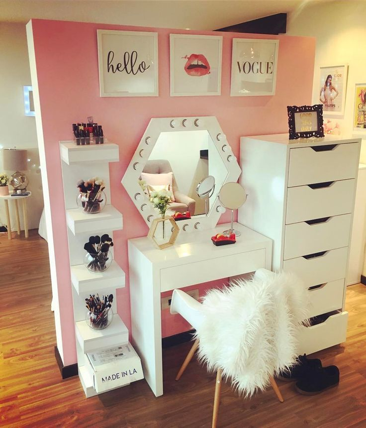 We Love The Placement Of This Vanity Set Bedroom Diy Room Diy Room Inspiration