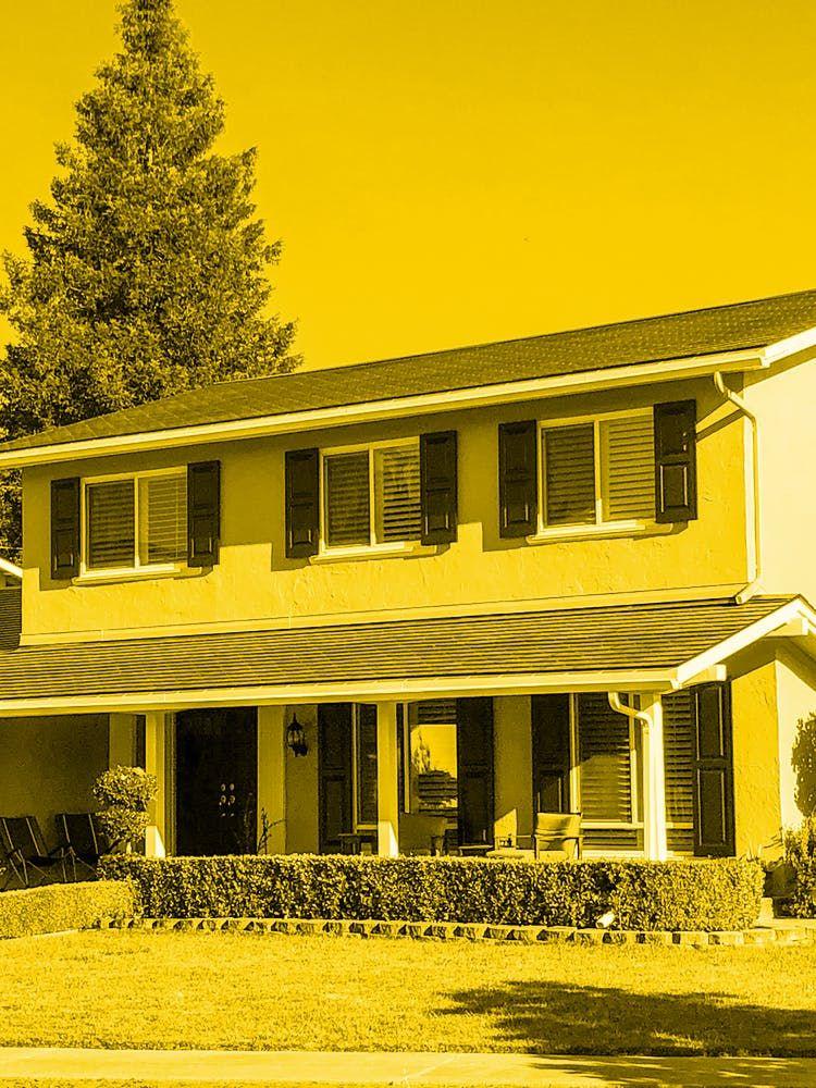 Amanda Tobler's house in California with a Tesla Solar