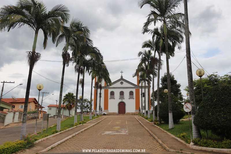 Lagoa Dourada Minas Gerais fonte: i.pinimg.com