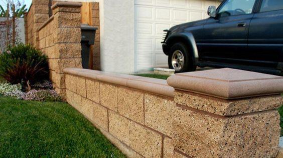 Split Face Block Wall With Decorative Columns And Caps Garden Blocks Concrete Blocks Backyard Fences