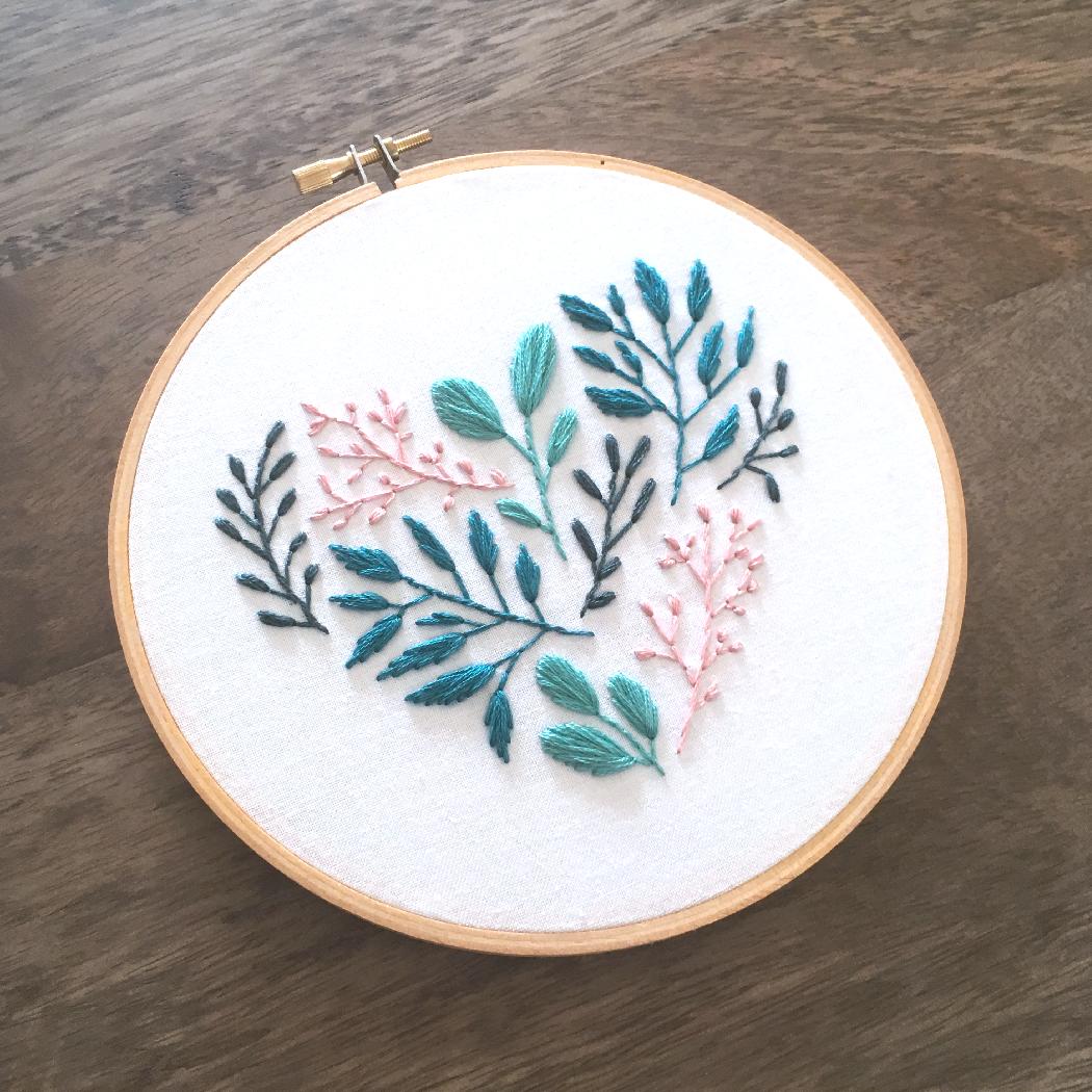 Floral Leaf Heart – Modern Embroidery Pattern (PDF Digital Download)