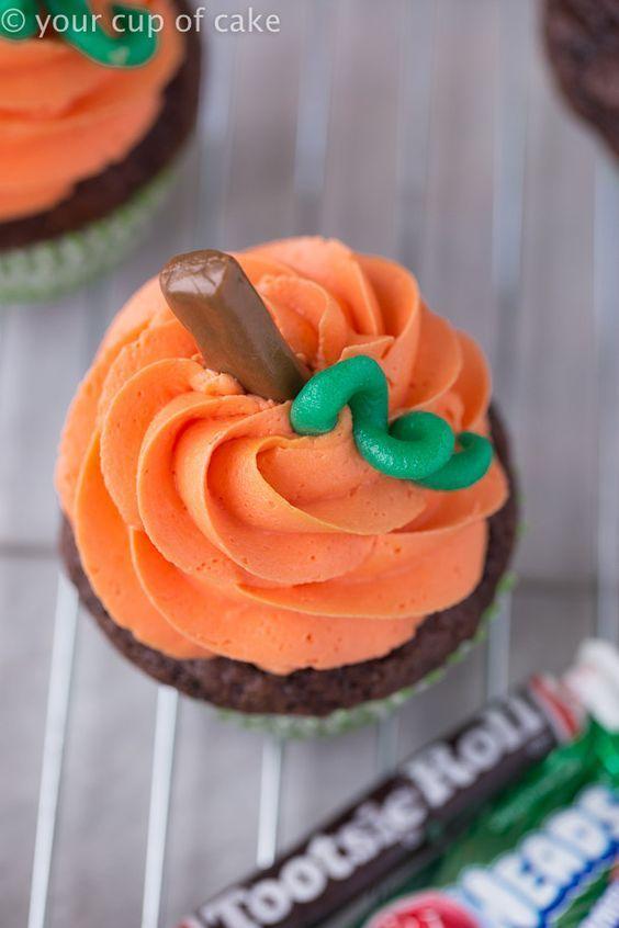 Pumpkin Swirl Cupcakes #halloweencupcakes