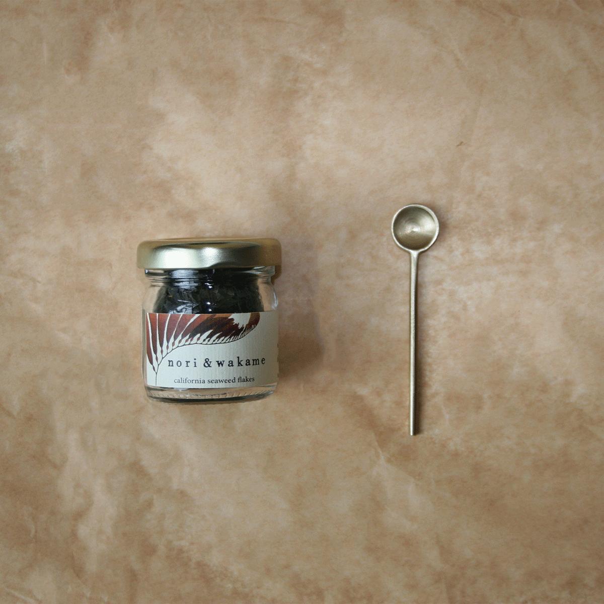 Seaweed Flakes + Spoon Set Safe food, A food, Seaweed