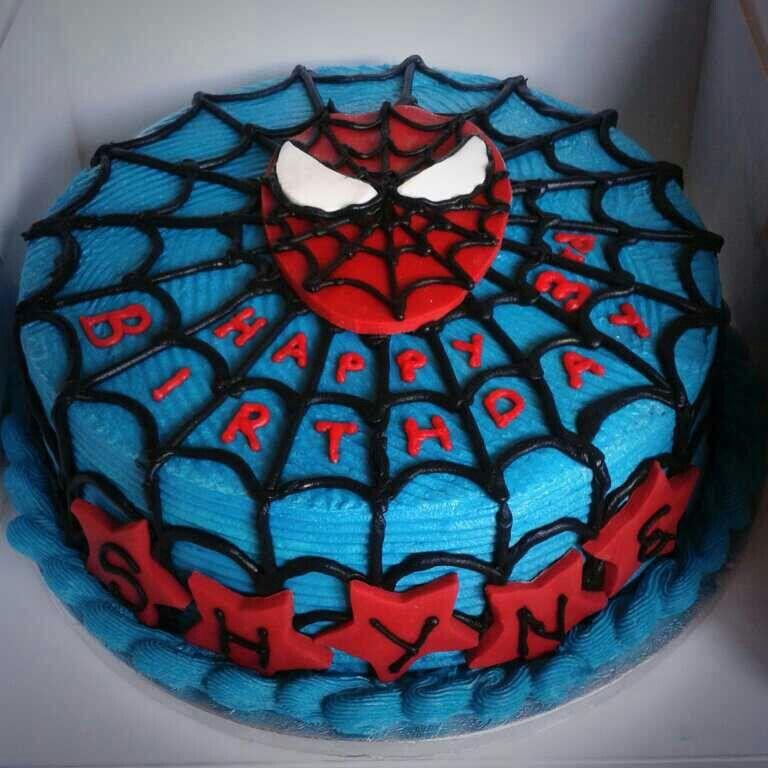 10 Cgc Spiderman Vanilla Sponge With A Vanilla Buttercream And