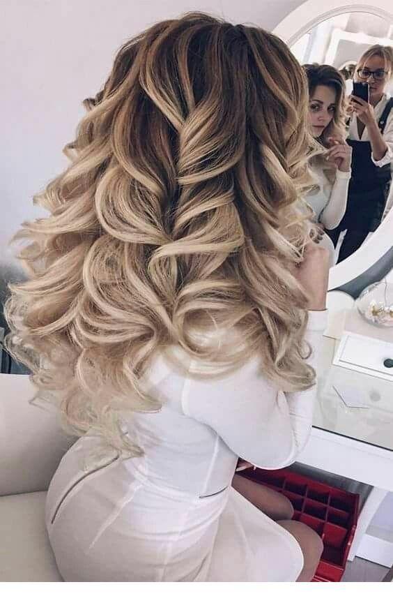Prime Blonde Hairstyle With Curls Inspiring Ladies Long Curly Hair Schematic Wiring Diagrams Amerangerunnerswayorg