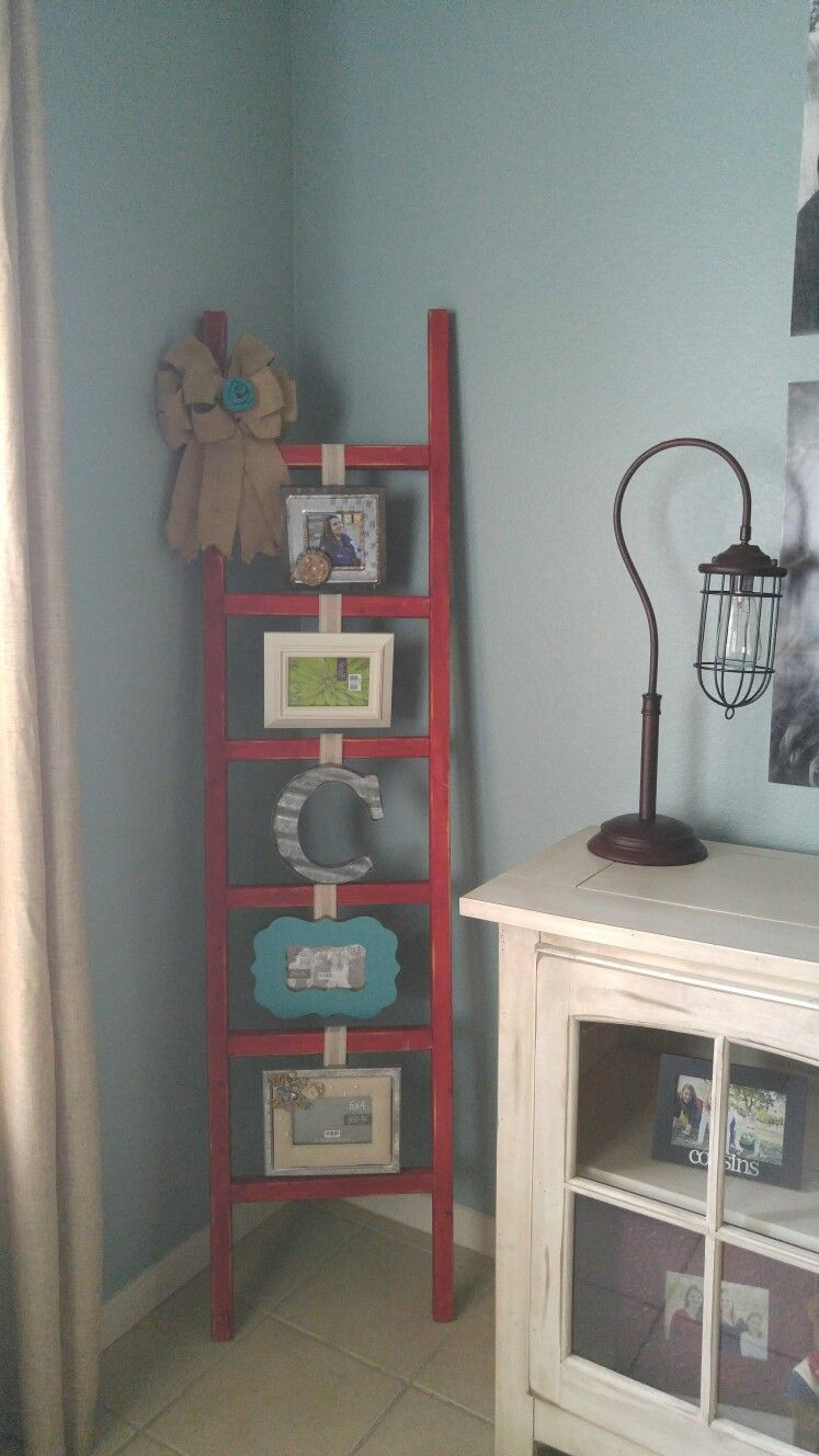 Home decor ladder photo frame idea for displaying photos can be