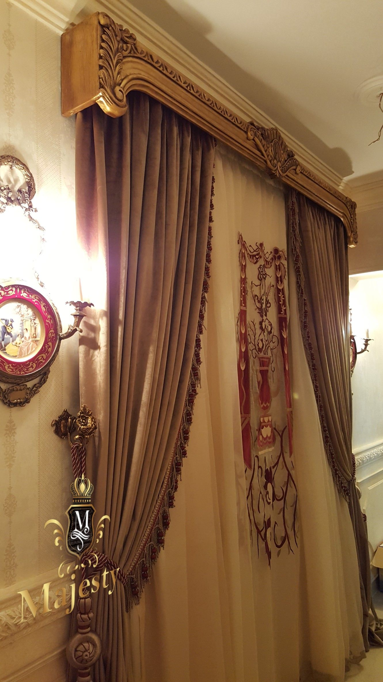 Pin By Mohamed Albanhawy On Majesty Classic Curtains Victorian Curtains Unique Curtains