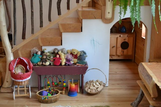kids-under-the-stair-playhouse-4
