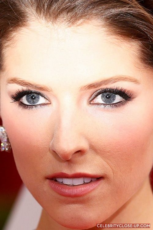 Photo Anna Kendrick Blue Eyes Red Carpet Makeup Celeb