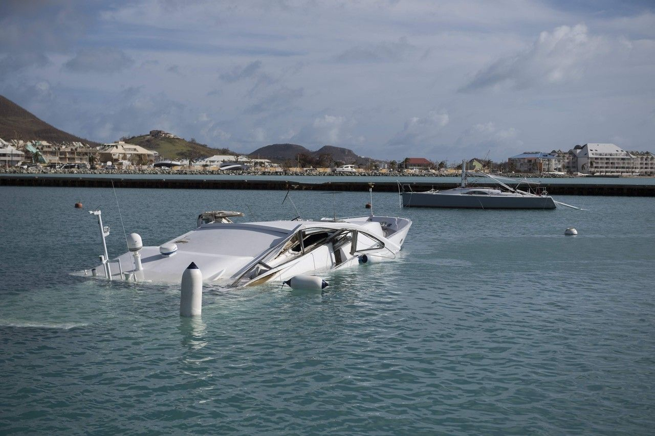 The Dutch Authorities Estimate About 70 Percent Of St Maarten The Houses To Be Badly Damaged Or Destroye Gulf Coast Florida Florida National Hurricane Center