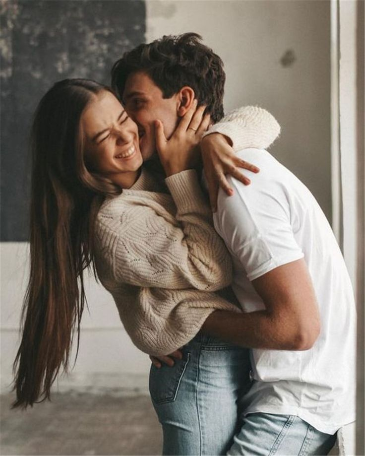 50 Romantic Couple Pose Photography Ideas You Need To Know – Page 15 of 50