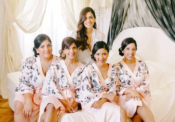Bride and bridesmaids  | itakeyou.co.uk #wedding #venicewedding #destinationwedding #elegantwedding #white #goldwedding #fairytalewedding