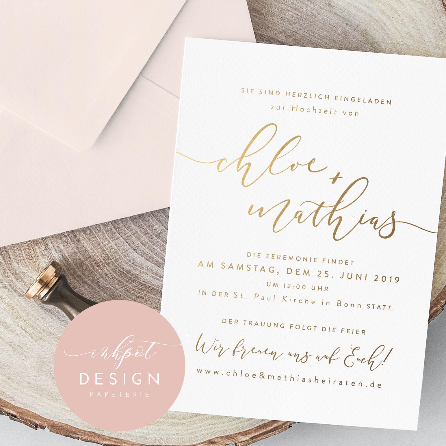 """Die Einladungskarte """"Chloe"""" ist mit Prägungen in vier Farben: Gold ... - Einladungskarten Hochzeit Rosen"""